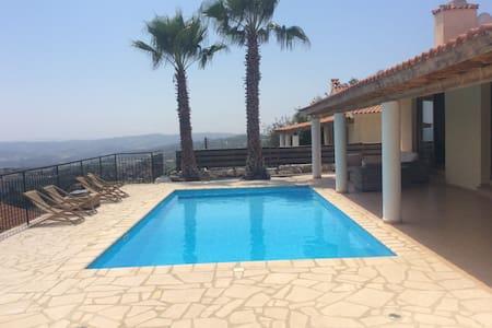 3 bed villa, private pool & views - Polemi