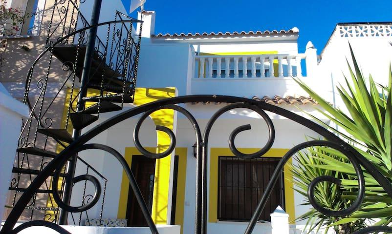 Small modern House Torrevieja Area - Urbanización Monteazul