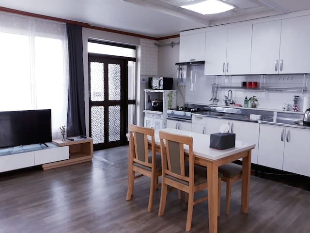 Sunny House near Osan Airbase with open view