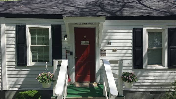 Rappahannock River Cottage  near I-95! Sleeps 6