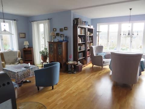 Großzügiges Appartement (90m2/EG/Garten/Nähe L)