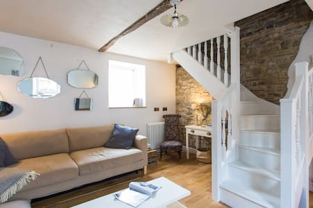 Quay Cottage Llandeilo - House