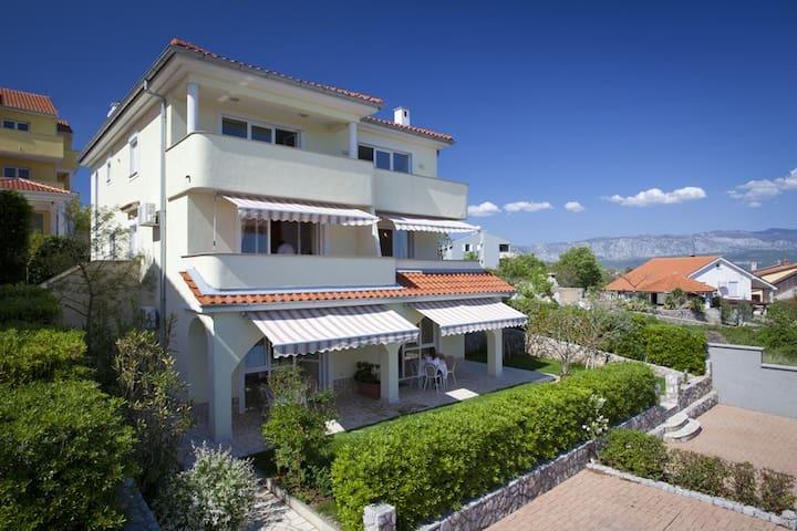 Modern apartmnet with sea view Nr4. - Čižići - Wohnung
