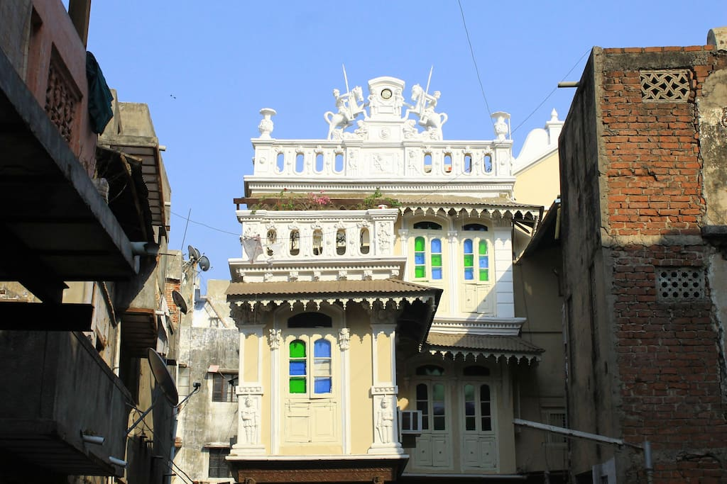 'Eclectic Facade' - 1st glimpse as you enter the khijda sheri ( lane)