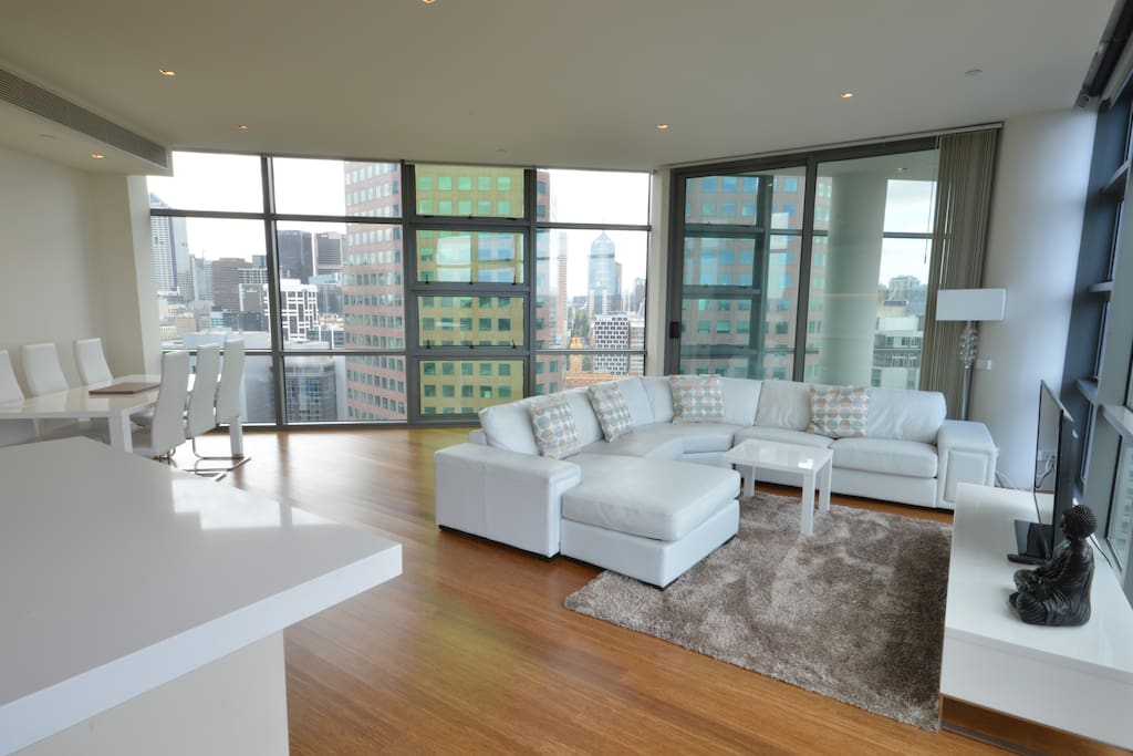The spacious lounge with views in every direction!