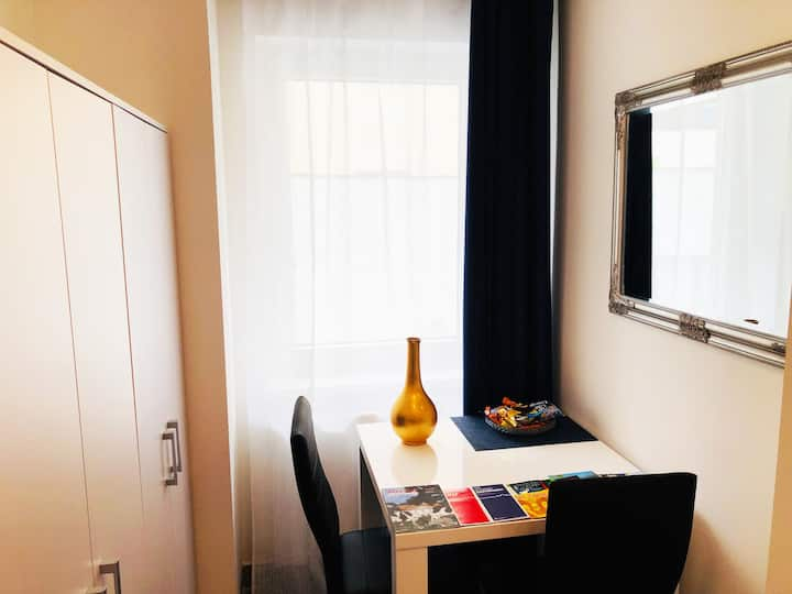 New double room no.7 in a guest house+parking
