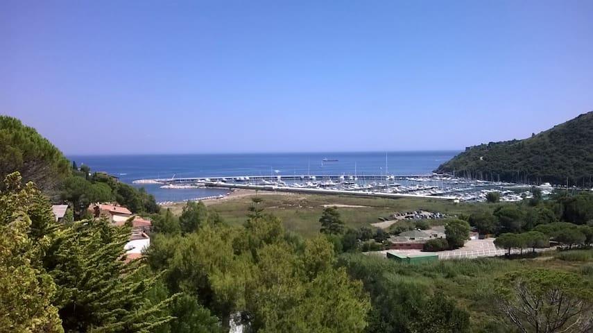 Orbetello  Poggio pertuso villa con giardino - Monte Argentario - House