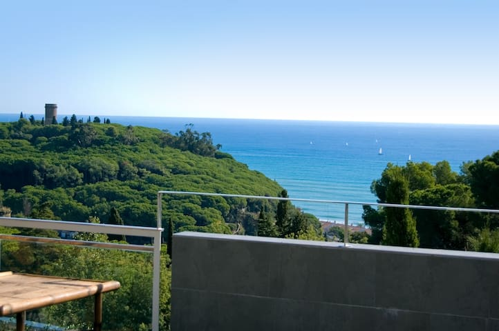 MEDITERRANEAN SUMMER HOUSE WITH SEAVIEWS - Caldes d'Estrac - Haus