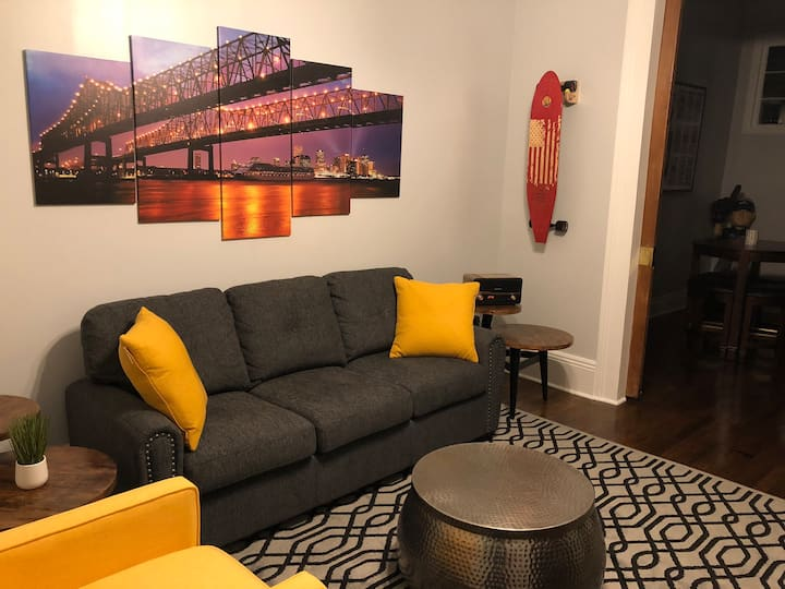Spacious 1 Bed on Sought-After Magazine St.