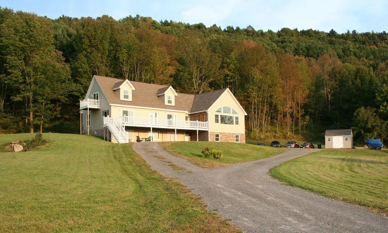 Apt for 5 overlooks Canadarago Lake - Richfield Springs - Leilighet