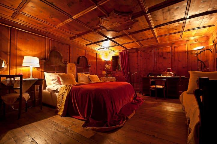 B&B La Selvatica - The Stua Room - Chiavenna - Bed & Breakfast