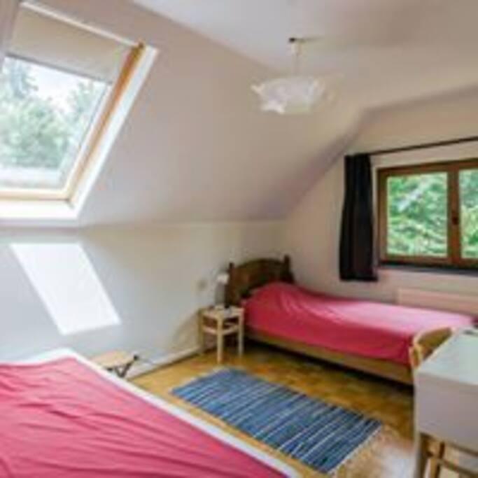 chambre Tintin grand lit et 1 lit simple