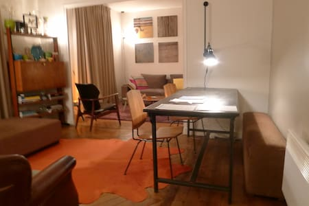 2 rooms in the heart of Paris!