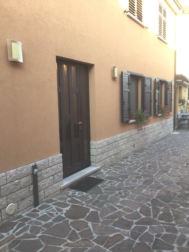Casetta Helena : parcheggio ,WI-FI incluso