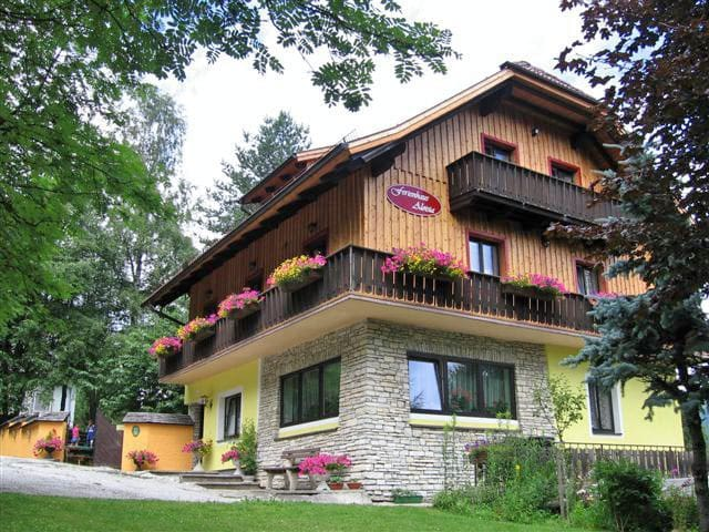 Nieuw appartement voor 6 personen. - Sankt Michael im Lungau - Apartemen
