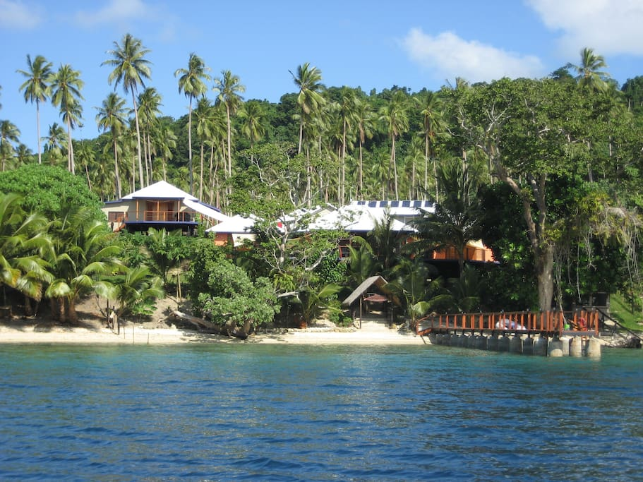 Paradise Lodge Studio Bungalow elevated top left of shot