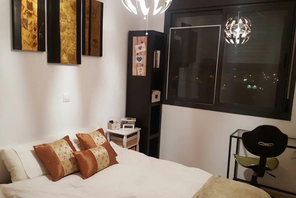 Habitaci n tranquila y familiar i houses for rent in for Habitacion familiar madrid