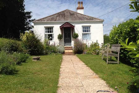 Beautiful seaside cottage - Budleigh Salterton - บ้าน