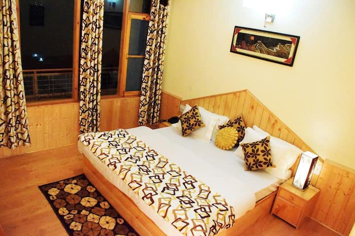 Luxurious Room 1, A home amid tranquility.