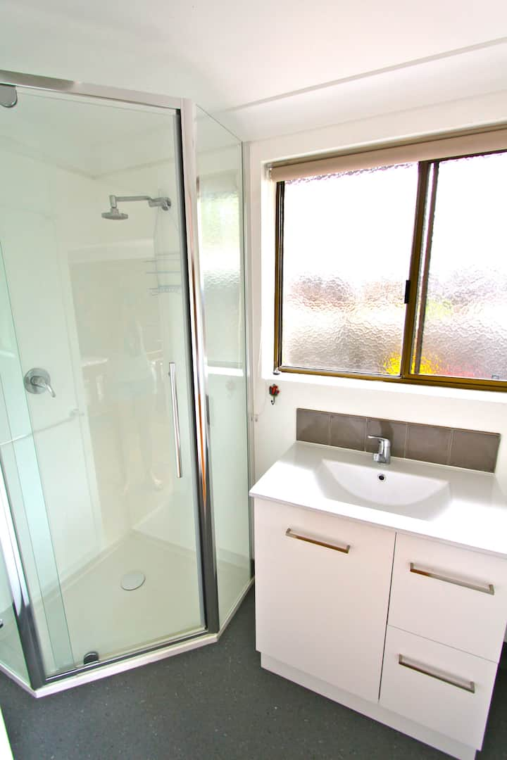 Byron Central private ensuite