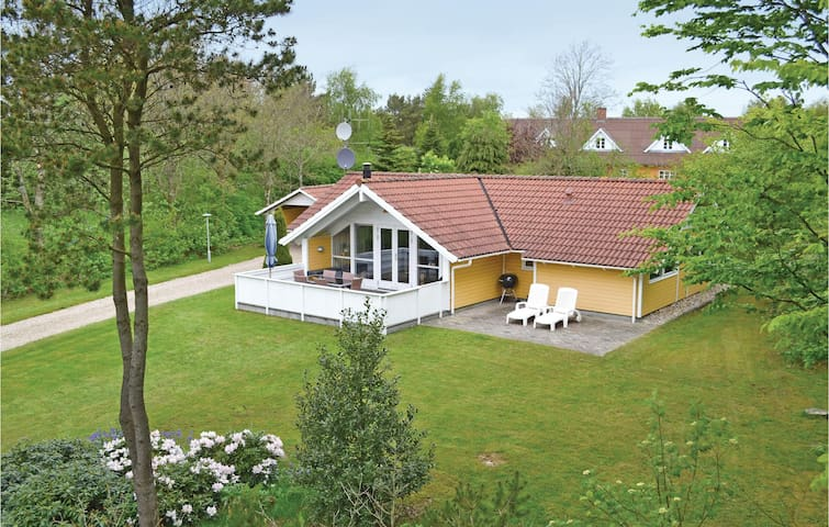 Holiday cottage with 3 bedrooms on 90 m² P42457