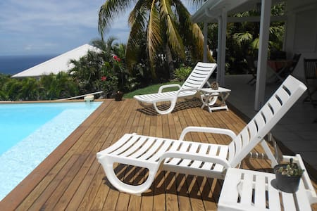 Grande Villa vue mer et piscine - Case-Pilote - Casa de camp