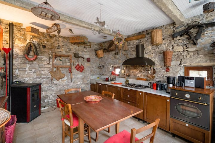 Rustic, but fully equipped kitchen