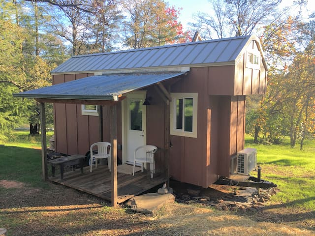 Experience Tiny Home Living in Auburn California - Auburn - Casa de campo