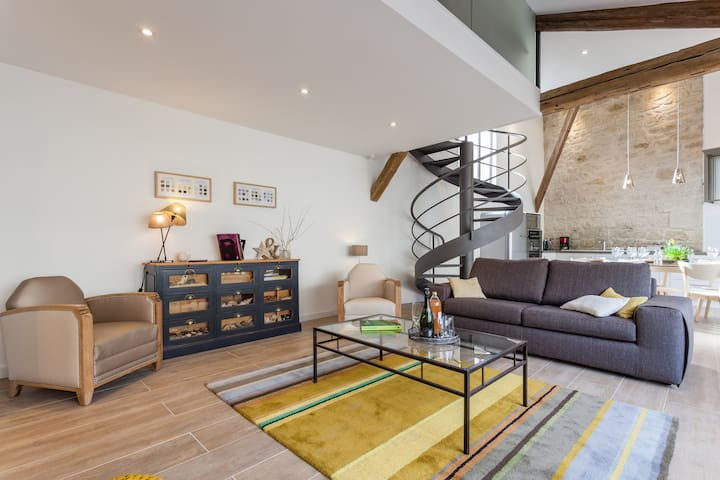 Cosy and stylish LOFT (private garden and garage)