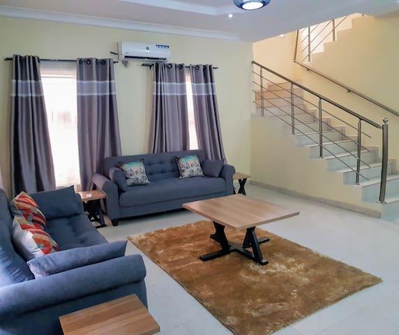 2 bedroom house in serene Estate on Chevron Drive