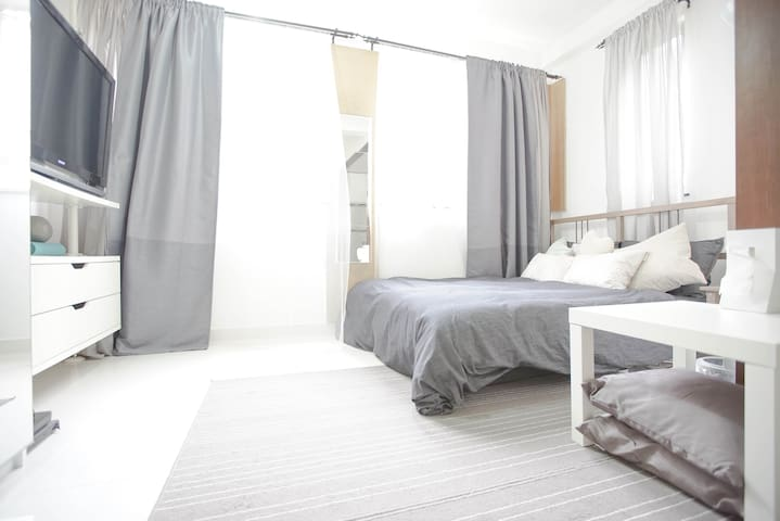 Convenient & chic studio at the heart of HK - Hong Kong - Lejlighed