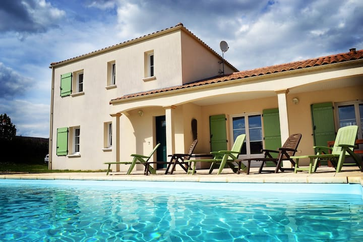 Villa Vendee - ideal for Vendee family holidays - Thouarsais-Bouildroux - Villa
