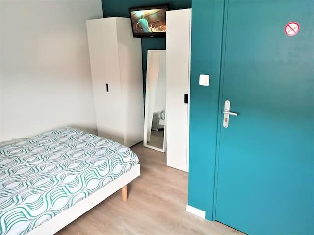 Chambre 1 pers avec vrai lit 120x190 tout confort