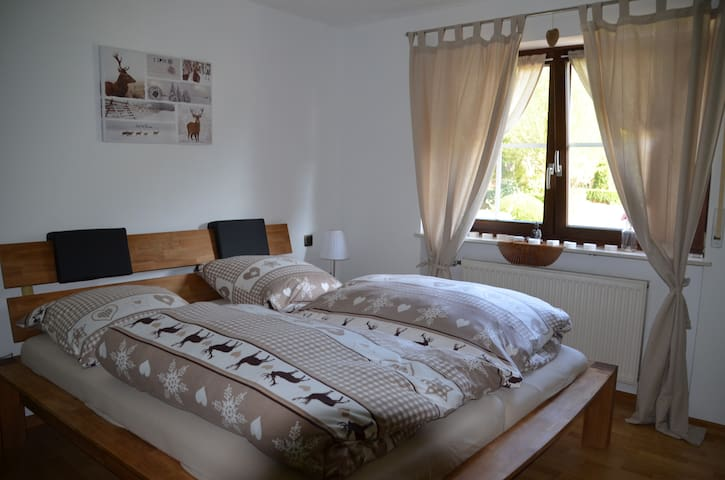 Zimmer Herzwinkel in der Romantikmühle - Krummenau - Bed & Breakfast