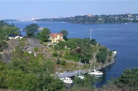 Hus med storslagen utsikt över Stockholms inlopp.