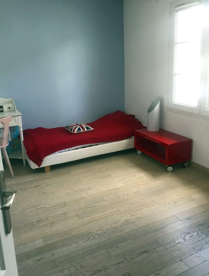 chambre calme et confortable à 15 km de paris