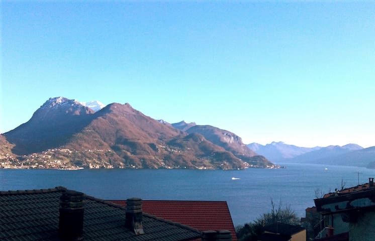 home Mary apartment with lake view - Santa Maria Rezzonico - Apartamento
