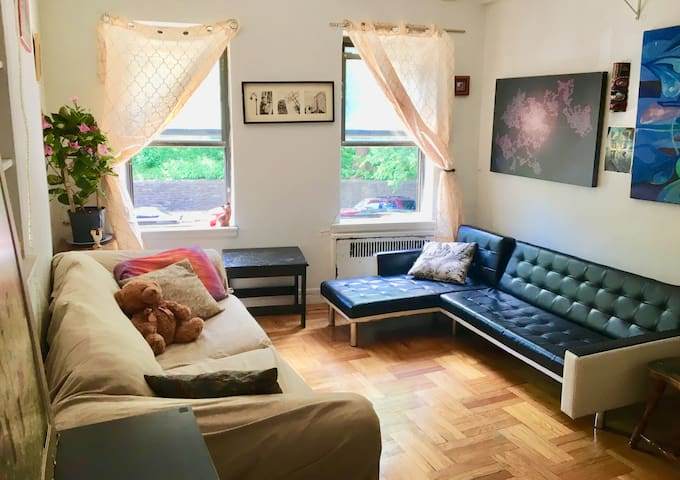 Onebedroom apartment with park view