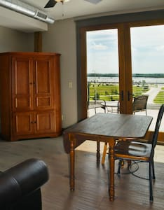 Nice!! - Studio loft w/ river view - Alton - Loft