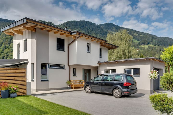Modern Holiday Home in Goldegg near Ski Area