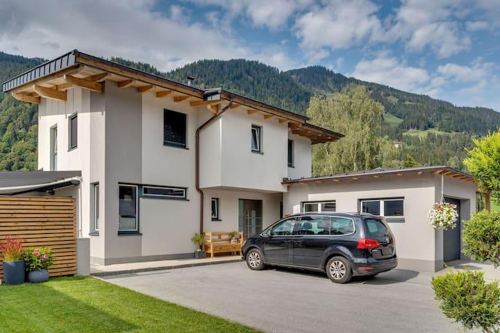 Modernes Ferienhaus in Goldegg nahe dem Skigebiet