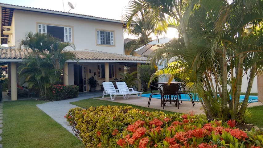 Cozy, leisure and tranquility, next to the beach. - Lauro de Freitas - Huis