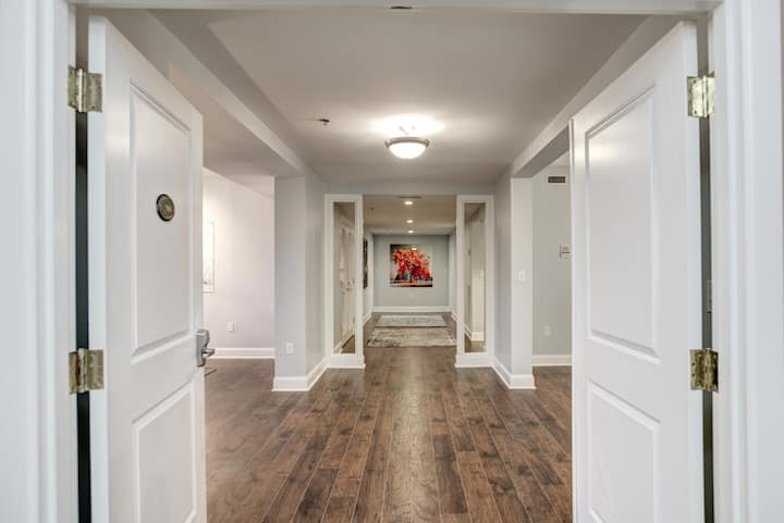 Newly Renovated Condo in heart of Biltmore Village #200