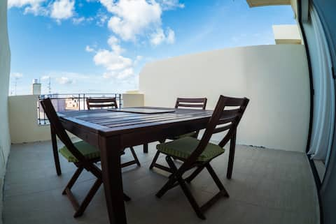 Bugibba penthouse with scenic terrace close to sea