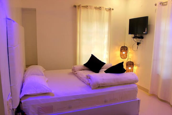 Pearl white room @Mount Abu