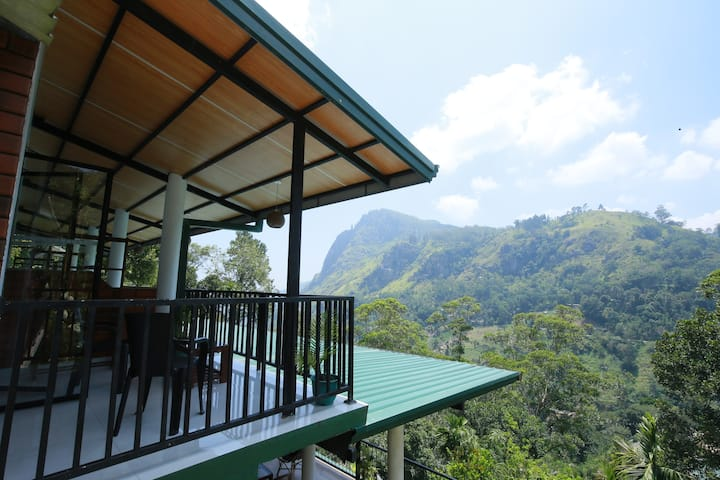 Beautiful Mountain View and Chill Hotel