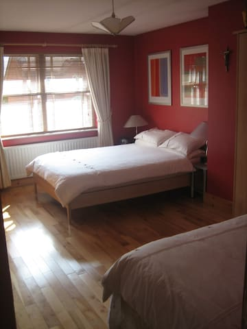 Derry Lodge B & B and Self Catering, Lurgan