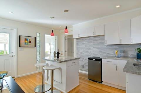 Modern, Luxury 2BR/2BA New Backyard *Now Open!*
