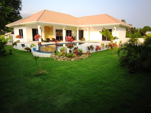 Villas Sala Thai 270m2, 3 rooms, pool & garden - NaMueang, Koh Samui  - Villa