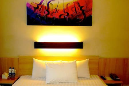 Cozy Stay in Kuta (Room Only)